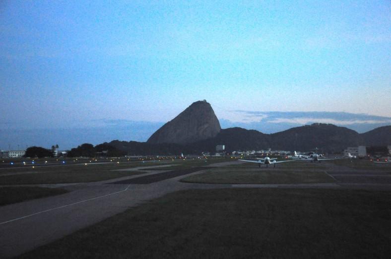 RioNotAer 130422 006 Santos Dumont pista aviao Pão de açucar