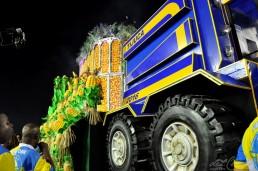 u-tijuca-160207-354-carro-trator